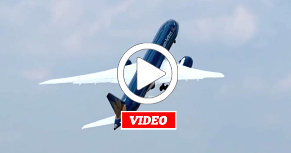 VIDEO: The Pilot's Perspective of His Boeing 787-9 Dreamliner Performance at The Paris Air Show 2015